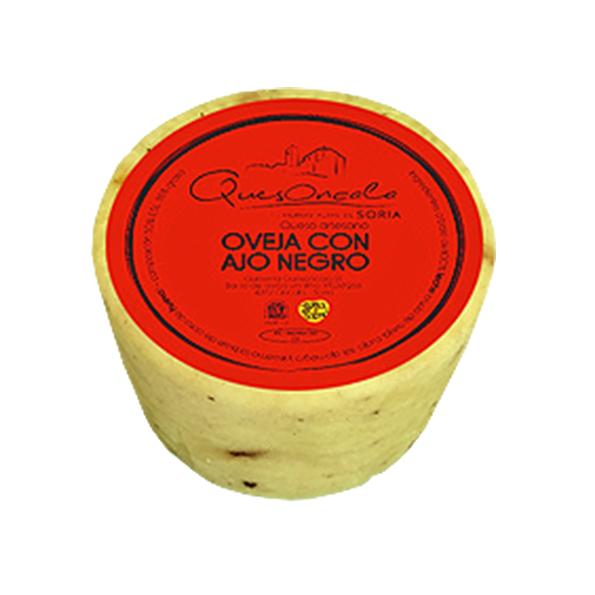 Queso de Oncala con ajo negro